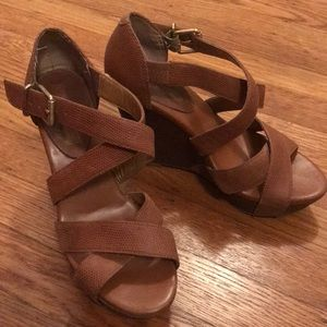 Banana Republic brown leather strappy wedges, 6.5